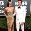 Irina Shayk and Bradley Cooper At The 76th Golden Globe Awards (2019) - 417 x 600
