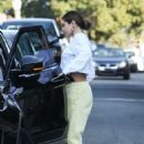 Selena Gomez – Visit a friend in Los Angeles - 454 x 681