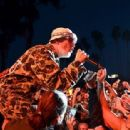 Fred Durst performs onstage at KROQ Weenie Roast & Luau at Doheny State Beach on June 08, 2019 in Dana Point, California - 454 x 312