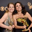 Julia Louis-Dreyfus : 69th Annual Primetime Emmy Awards - 420 x 600
