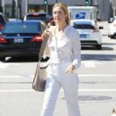 Kelly Rutherford was seen shopping in Beverly Hills. California on March 24, 2017 - 430 x 600