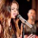Selena Gomez - 454 x 197
