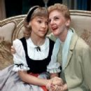 Mary Martin and Lauri Peters In The 1959 Broadway Cast Of THE SOUND OF MUSIC - 301 x 450