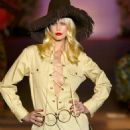 Claudia Schiffer On The Runway