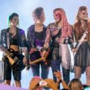 Jem and the Holograms (2015) - 454 x 304