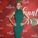 Nicky Whelan – 'Christmas at Holly Lodge' Screening in LA - 454 x 674