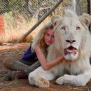 Mia and the White Lion - Daniah De Villiers - 454 x 255