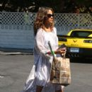Halle Berry shopping in Beverly Hills - 454 x 681