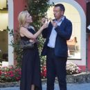 Gillian Anderson and Peter Morgan at a romantic dinner in Portofino - 454 x 566