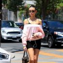 Madison Beer – Arrives at a nail salon on Melrose Avenue in West Hollywood - 454 x 681