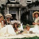 Emma Thompson, Gemma Jones, Kate Winslet and Emilie Francois in Sense and Sensibility (1995)