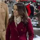Lacey Chabert as Kylie Watson in The Sweetest Christmas - 454 x 821
