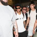 Neymar Spotted at LAX June 2017