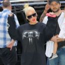Christina Aguilera – Arrived at Radio City Music Hall in New York - 454 x 577