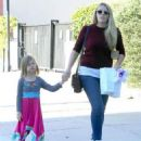 Busy Philipps and her daughter Birdie running errands in Los Angeles, California on December 14, 2013 - 454 x 562