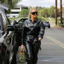 Khloe Kardashian – Goes out for lunch at Plata Taqueria and Cantina in Agoura Hills - 454 x 641