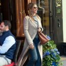 Jennifer Aniston – Leaves Nello Restaurant in New York - 454 x 599