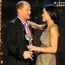 Woody Harrelson and Rosario Dawson