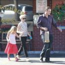 Michelle Williams and boyfriend Jason Segel picking up her daughter Matilda from school in Los Angeles (August 27)