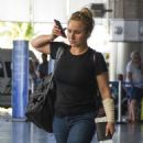 Hayden Panettiere in Jeans at Airport in Barbados - 454 x 565