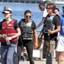 Kim Kardashian: split up to race in dragon boats in Miami