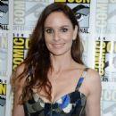 Sarah Wayne Callies – Colony Press Line at 2017 Comic-Con in San Diego