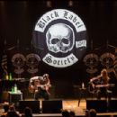 Zakk Wylde gets mellow in Montreal on February 28, 2014 at Théâtre Corona Virgin Mobile