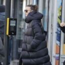 Keira Knightley – Shopping at an organic food store in North London