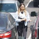 April Love Geary – Shopping candids