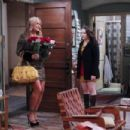 2 Broke Girls (2011) - 454 x 303