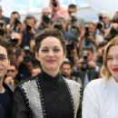 'It's Only the End of the World (Juste La Fin Du Monde)' Photocall - The 69th Annual Cannes Film Festival - 454 x 303