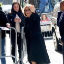 Katie Couric – Arrives at The View in New York - 454 x 681
