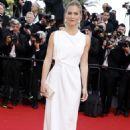 Bar Refaeli La Tete Haute Premiere At 2015 Cannes Film Festival