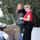 Isla Fisher at Ciccones in Los Angeles - 454 x 613