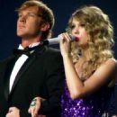 Taylor Swift rocks Lexington & Columbia