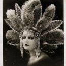 Lucy Doraine - 307 x 475