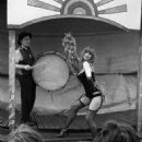 Helen Mirren - 454 x 697