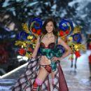 Liu Wen – 2018 Victoria's Secret Fashion Show Runway in NY - 454 x 716