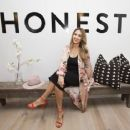 Jessica Alba  at The Honest Company in Hollywood, California  (August 24, 2017)