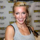 Katie Cassidy – Comic-Con in Boston 08/13/2017 - 454 x 699