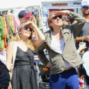 Alicia Silverstone at the farmer's market in Studio City, California on August 28, 2016 - 454 x 463