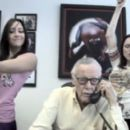 Stan Lee in G33K & G4M3R Girls - 454 x 265