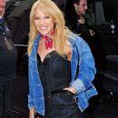Kylie Minogue at Cafe de Paris in London - 454 x 716