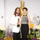 Jared Leto and Anne Hathaway At The 86th Annual Academy Awards (2014) - Press Room - 392 x 594
