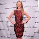 Julie Henderson Pamella Roland Fashion Show In Nyc