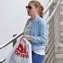 Amy Adams – Shopping at Tom's Toys in Beverly Hills