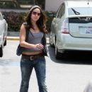 Nikki Reed At The Post Office, 2009-05-13