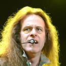 Ted Nugent - 326 x 500
