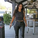 Kim Kardashian – Out for lunch in Los Angeles