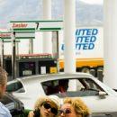 Natalie Portman and Norah Jones -
